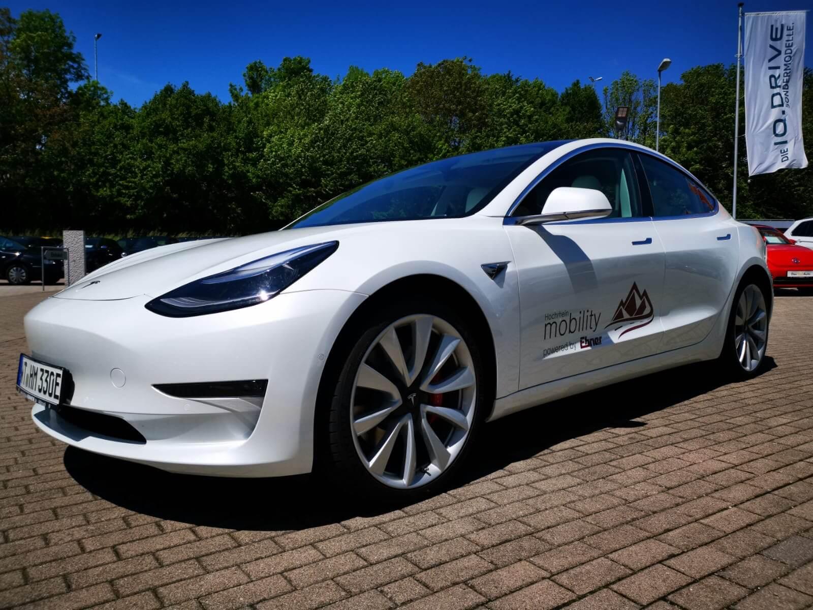 Tesla Model 3 mieten in Albbruck Front1