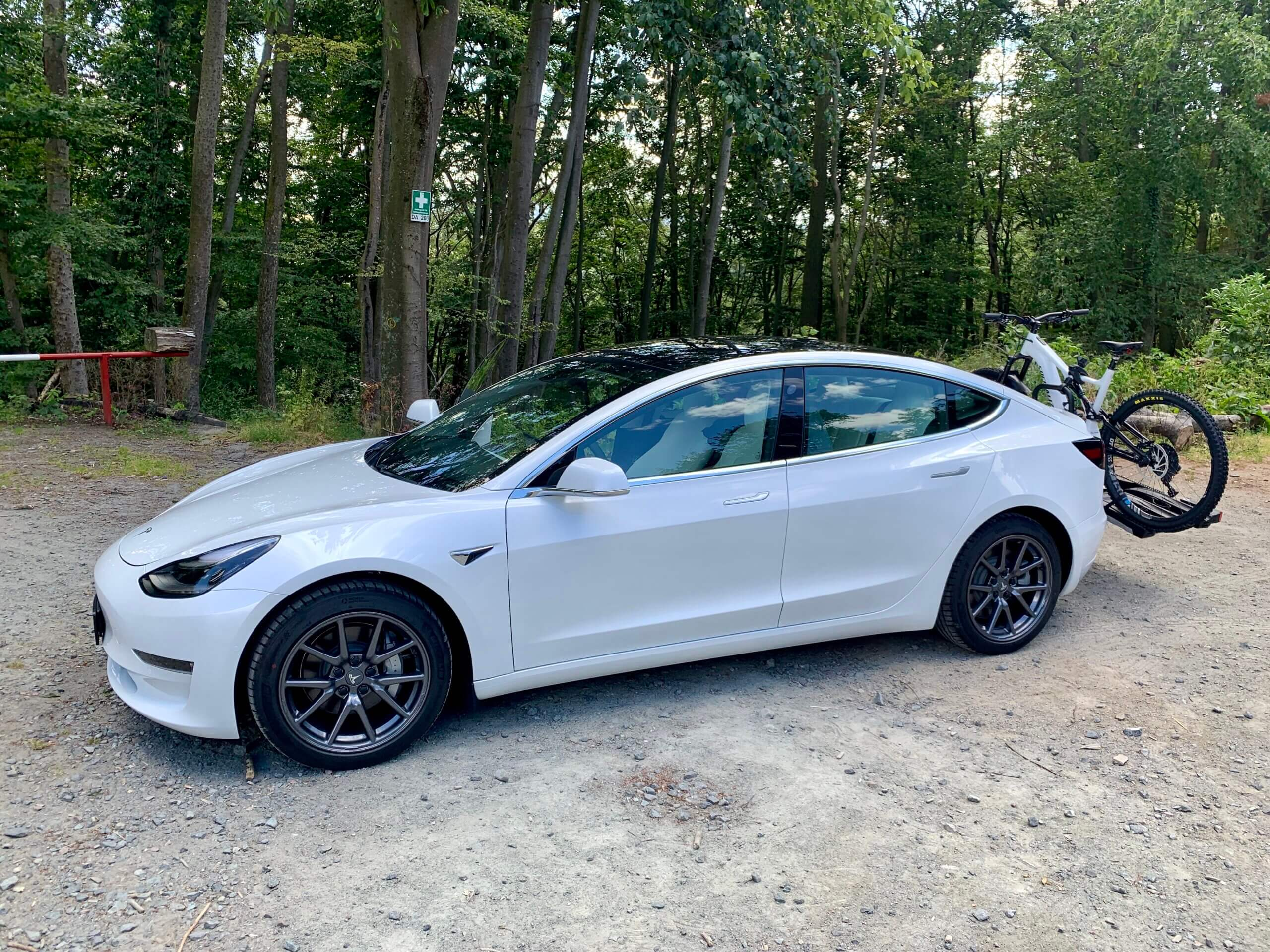 Tesla Model 3 mieten in Darmstadt